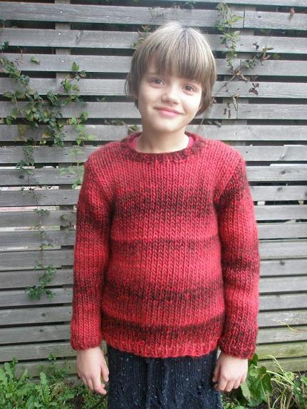 Louise i tyk rød sweater